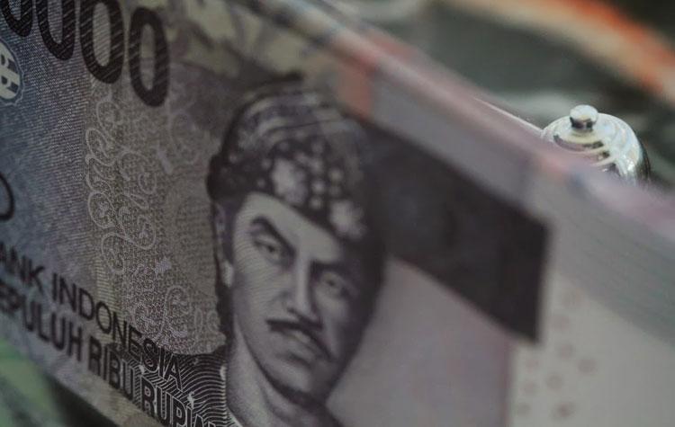 Lemahnya Rupiah Rabu Siang Rugikan Bursa Saham